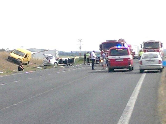 První dostupný snímek z místa nehody.