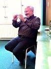 Lékař lidských duší Jan Cimický besedoval ve Slaném