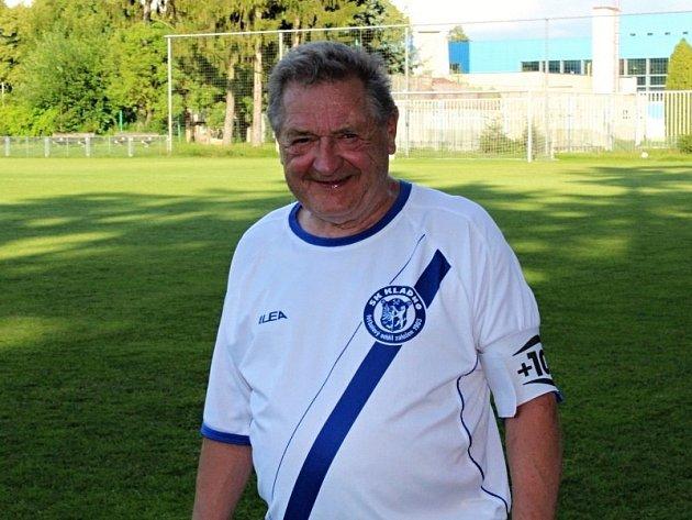 Benefice Jana Abrhama, který v 75 letech ukončil aktivní kariéru. Jan Abrham