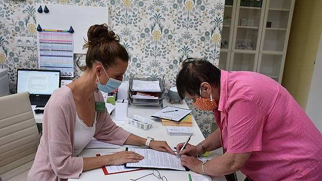 Slavnostní otevření ordinace praktického lékaře v Libušíně.