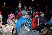 Rozsvícení vánočního stromu v Tuchlovicích.