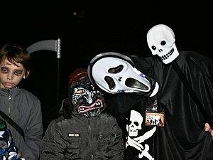 Halloweenské setkání příšer v Sítenském údolí