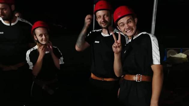 Plchovští hasiči soutěžili v nočním klání