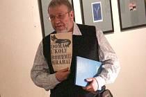 JEDNÍM Z TĚCH, kdo předčítali z Hrabalova díla, byl i ředitel muzea Zdeněk Kuchyňka.