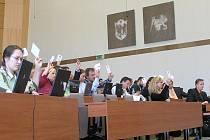 KSČM, ODS A ČSSD. Takové je současné složení kladenského zastupitelstva. O tom, jestli se nějak změní, budou lidé rozhodovat v podzimních komunálních volbách.