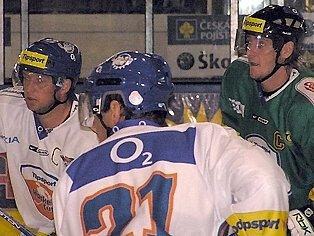 V úterý nastoupil proti Pavlu Paterovi za Karlovy Vary i někdejší útočník Kladna Václav Skuhravý.