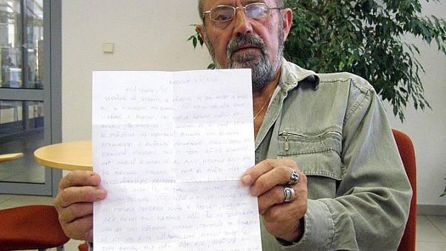 Ivan Lev dostává od Kajínka přibližně jeden dopis měsíčně. Ten poslední do Kladna dorazil počátkem července.