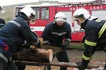 Lánští hasiči bojovali v Letňanech.