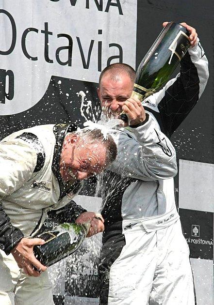 Jiří Jupa slaví vítězství.