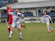 Kladno (v bílém) porazilo Štětí až po penaltách. V bílém domácí Pechr.
