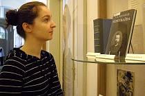 Výstavu o prvním československém prezidentovi ve Středočeské vědecké knihovně v Kladně navštívila Aneta Míšková z Buštěhradu.