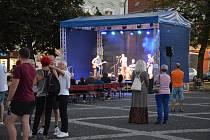 Music On The Square - Juraj Schweigert & The Groove Time ve Slaném.