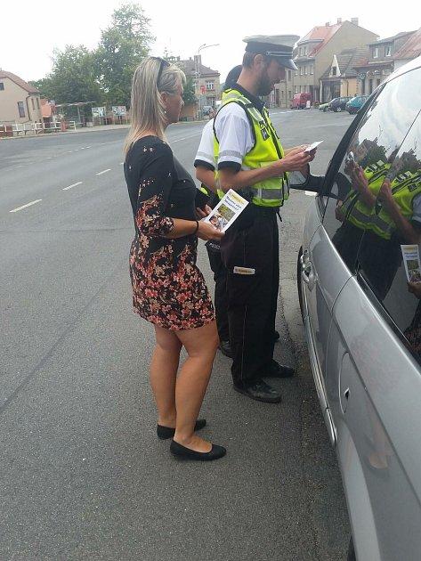 Policie zkontrolovala děti vautosedačkách, výsledky jsou chvályhodné.