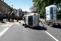 Z nehody v obci Šlapanice 29. května 2020.