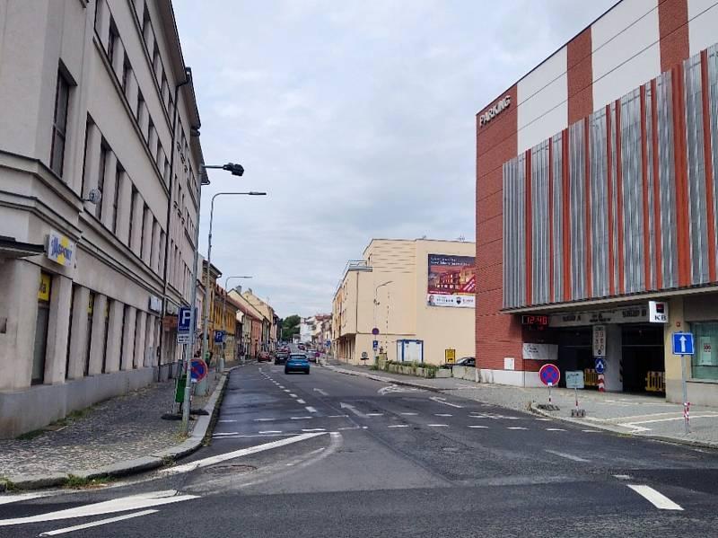 Silnice u Grandu bude od pondělí 23. srpna až do září neprůjezdná.
