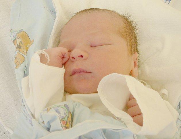Jakub Mašek, Kladno. Narodil se 2. prosince 2013. Váha 3,72 kg, míra 49 cm. Rodiče jsou Kateřina a Michal Maškovi, sestra Pavlínka (porodnice Kladno).