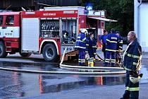 Rozsáhlý požár seníku v Lánech zlikvidoval majetek za dva miliony korun.