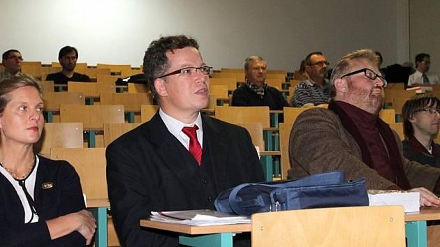 Historická konference se i letos uskuteční v aule slánského gymnázia