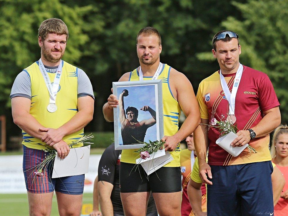 MČR v Atletice / Kladno - Sletiště 28. - 29. 7. 2018, medailisté z kladiva, zleva Fiala, Pavlíček, Melich