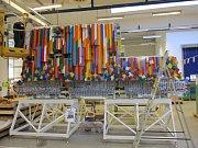 Největší 3D modely Lego na světě vyráběli kladenští dělníci v tamní továrně