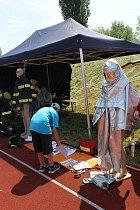 Dětský den plný sluníčka a hasičské pěny se ve Slaném vydařil
