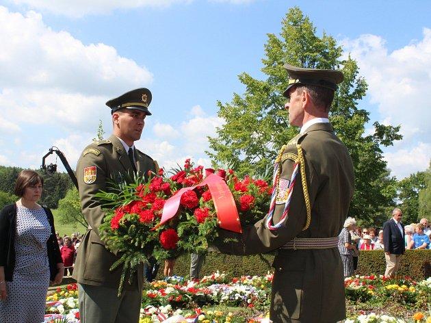 Uctění památky obětí lidické tragédie v roce 2017.