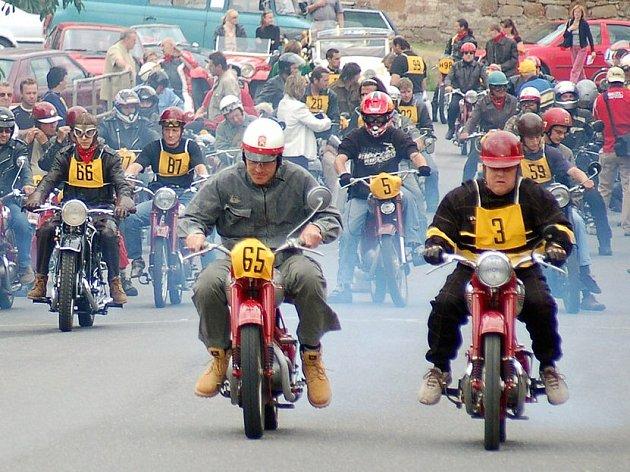 Na start se postavili všichni závodníci.