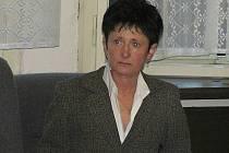 Bývalou slánskou matrikářku hanu Věru Petržílovou dnes Okresní soud v Kladně uznal vinnou v kauze podivných sňatků cizinců.