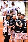 Volejbalové Kladno (v bílém) v Poháru CEV doma po obrovské bitvě padlo s finskou Sastamalou 2:3.