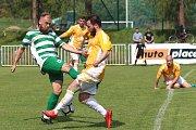 Tatran Rakovník (v zeleném) přehrál doma vedoucí Sokol Hostouň 2:1 na penalty.