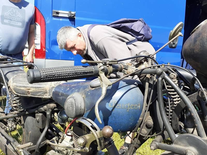 Z Kladenské auto-moto burzy 2021.