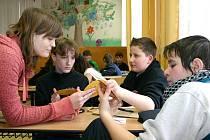 Děti v Základní škole na Komenského náměstí ve Slaném při besedě Obezita není náhoda