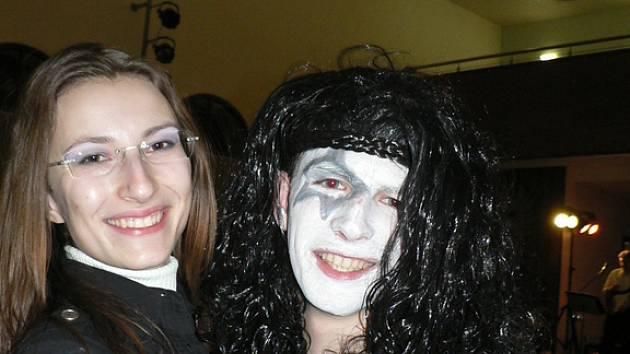 Na plese se po půlnočním překvapení objevil i člen světoznáme skupiny KISS