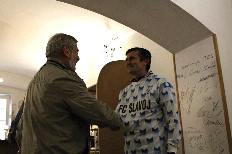 Oslava padesátin Radka Dudy ve firmě Ites, kde roky pracuje.