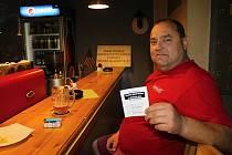 Starokladenský pivovar v Kladně na třídě ČSA. Bez klubové karty se dovnitř nedostanete. Kuřákům vstup povolen!