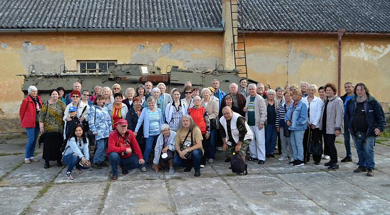 Návštěva kladenských legionářů v Army muzeu ve Zdicích.