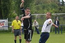 Před deseti lety: Velká Dobrá - Tuchlovice 3:0, Jícha bojuje s Martinem Vaiglem, ten dává góly pořád