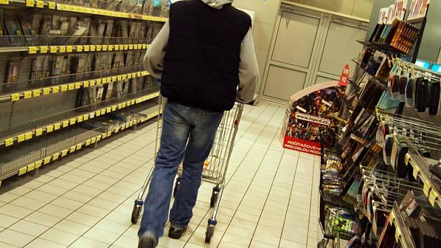 Na věci v nákupním košíku je třeba dávat bacha.