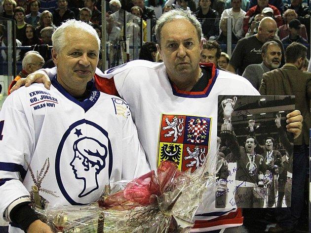 Milan Nový a Václav Sýkora //  Hvězdy Kladna - Česká republika legendy 3:4 (sn), utkání na oslavu 60. narozenin Milana Nového