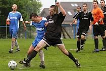 V závěru měli domácí šanci na remízu. Do útoku se vrhnul i brankář, ale vyrovnat se nepovedlo // Sokol Braškov - FK Chmel Mutějovice 0:1, utkání I.B. tř. sk A 2011/12, hráno 6. 5. 2012