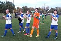 Velvary porazily doma Vltavín 4:2, hráči si užili děkovačku.