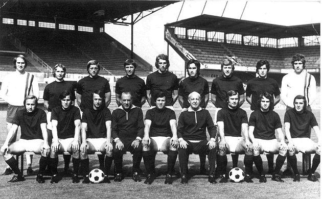 Mužstvo AC Sparta Praha vroce 1975, Jan Jiras nahoře třetí zleva.
