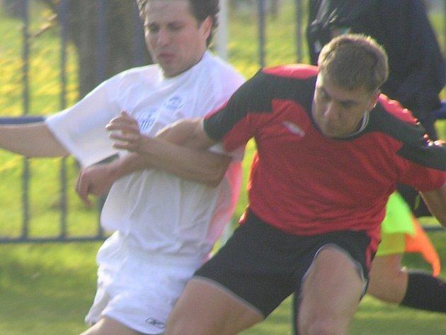 Martin Bílek (vlevo) dal gól, byl však k ničemu.