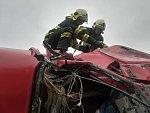 Tragická nehoda uzavřela silnici u Slaného na celé dopoledne.