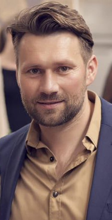Tomáš Haniak, Slavoj Kbely, Praha 9
