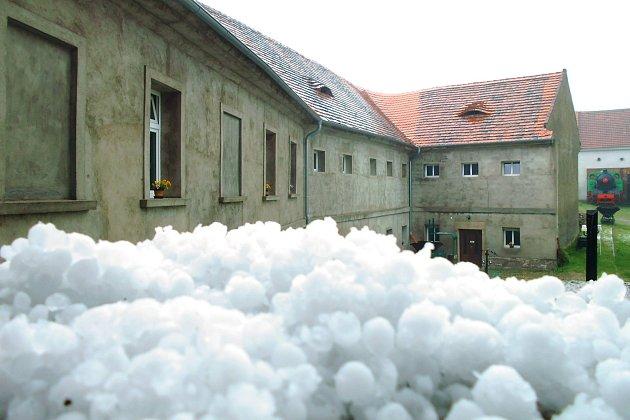 Po bouřce. Železniční muzeum vLisovicích uZlonic.