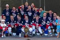Vítěz oblastní ligy hokejbalistů Dynamo Rozdělov.
