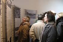Lidické výstavy návštěvníky velice zaujaly.