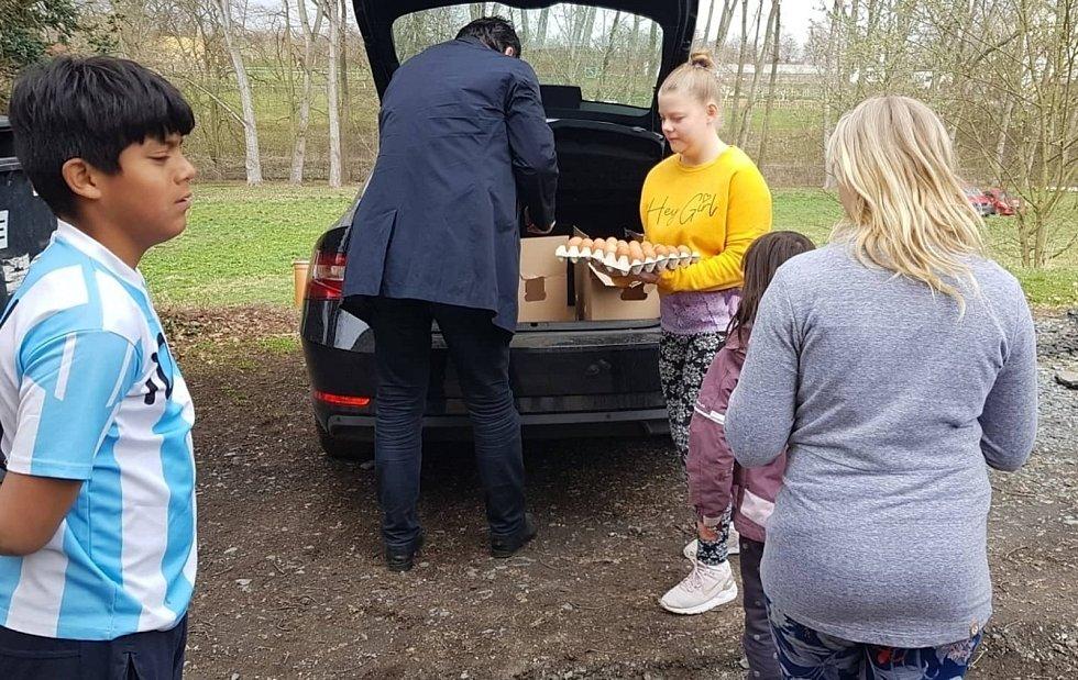 Děti z domova v Ledcích dostaly velikonoční výslužku.