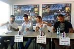 Mítink Kladno hází a jeho hvězdy (zprava) Tomáš Staněk, Pavel Maslák, Matěj Krsek a muž, který pro mítink udělal nejvíc organizačně - Jakub Kubálek.